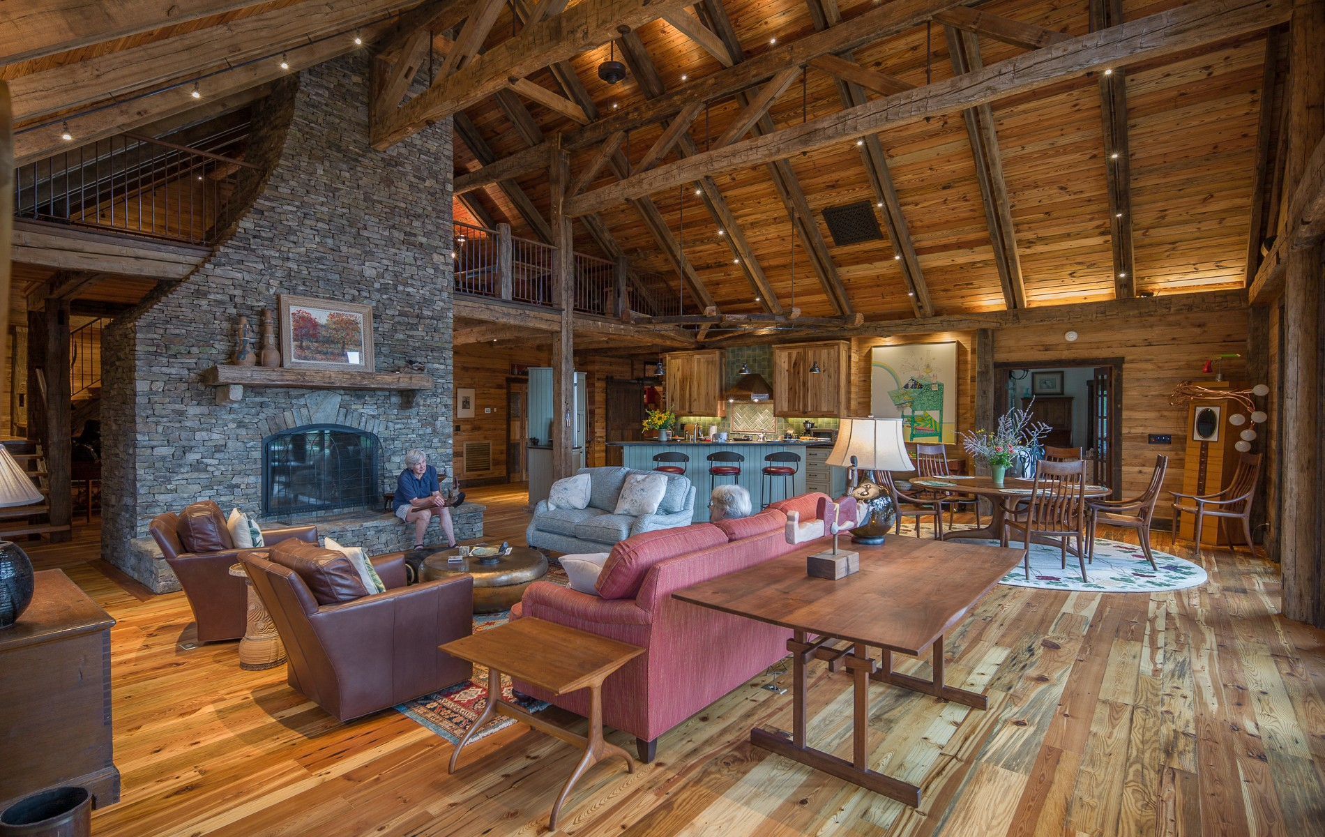 reclaimed wood timber frame great room on New River in Virginia