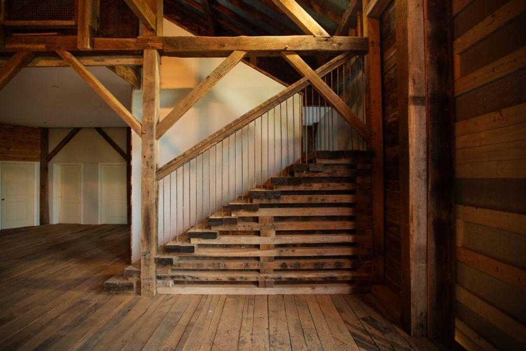 Cana Barn interior